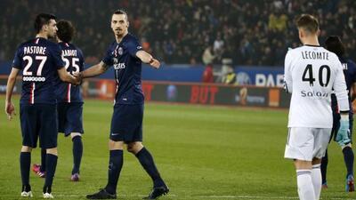 El crack sueco marcó los tres goles del París Saint-Germain.