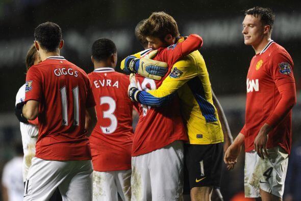Con este triunfo por 3-1, el Manchester United se mantiene a dos puntos...
