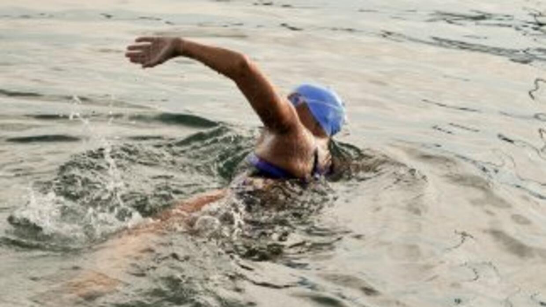 Diana Nyad en su segundo intento de cruzar el estrecho de la Florida des...