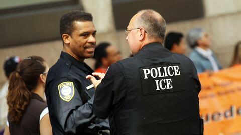 El programa federal Comunidades Seguras convirtió a miles de policías en...