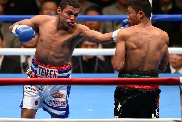 En el sexto el nicaraguense conectó con solidez a Fuentes con un golpe d...