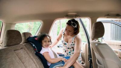Es importante que los niños sepan comportarse dentro del auto.
