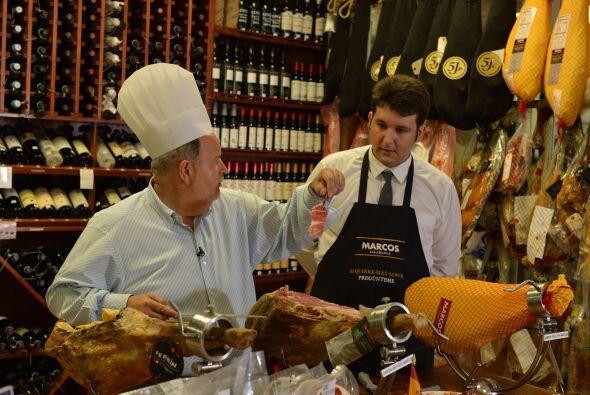 Raúl de Molina fue invitado a catar el jamón más exquisito del mundo en...