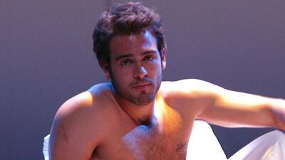 """El actor mostró su cuerpo en la obra de teatro """"Cuatro XXXX""""."""