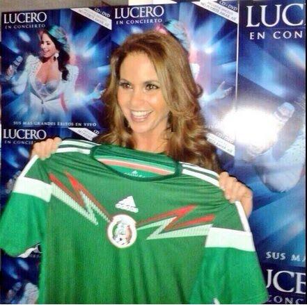 """Lucero apoyó a la sele desde su Twitter diciendo: """"Y como diría Emmanuel..."""