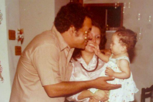Satcha nació en Honduras, hija de Rolando Pretto y de Liz Padilla.