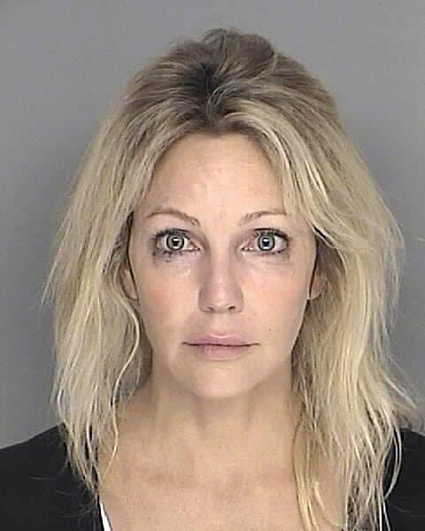 Heather Locklear fue detenida en 2008 en Santa Bárbara, California, por...