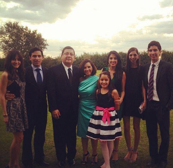 """""""¡Ahora si todos juntos! Esta es mi #familia, mi #felicidad"""", dijo Maity..."""