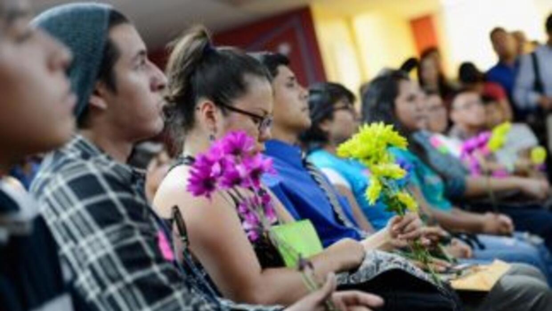 Los jóvenes reconocidos, que participaron en una mesa redonda, hablaron...
