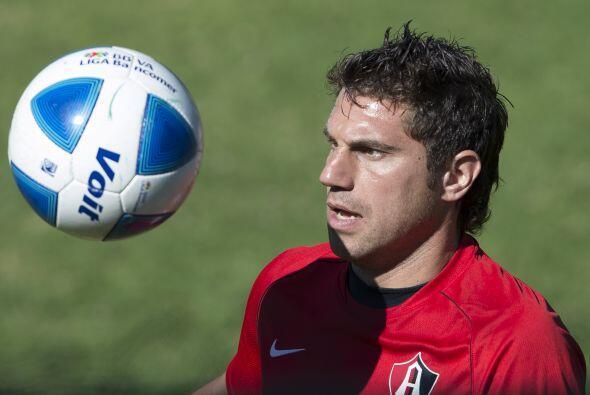 Su contraparte atlista es Leandro Cufré, capitán de los Zorros y que es...