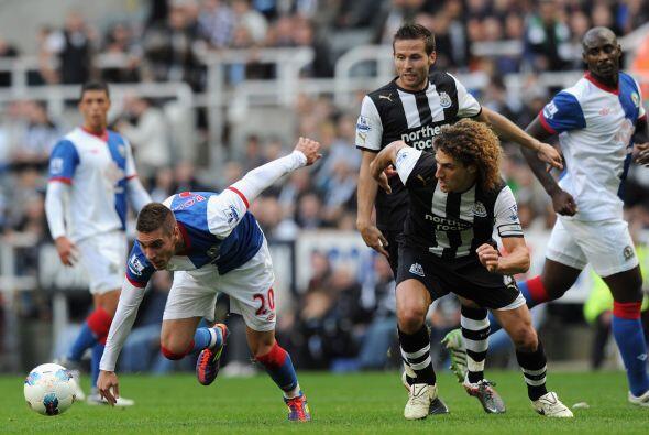 En otro de los encuentros, Newcastle goleó al Blackburn Rovers 3 a 1.