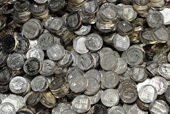 1,200 MILLONES DE LIBRAS- Serán 1,200 millones de libras ($1,870 millone...