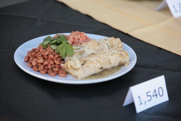 Las enchiladas suizas, uno de los platos típicos de México a base de tor...