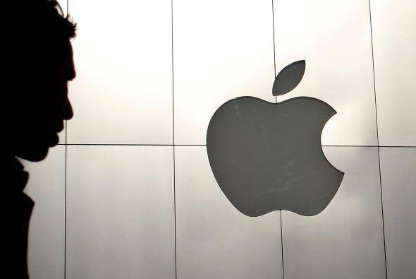APPLE- El gigante tecnológico Apple finalizó 2011 sin Steve Jobs pero co...