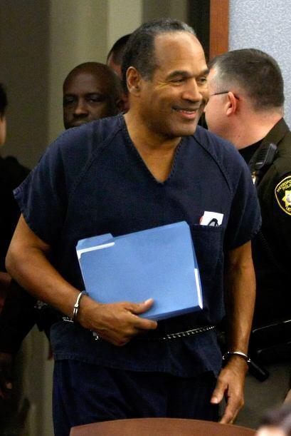 O.J. SIMPSON- Este ex jugador de la NFL, y quien se convirtió en delincu...