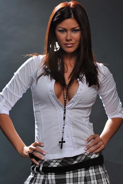 Otra sexy chica latina que nos quiera acompañar todos los domingos.