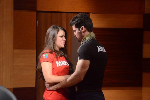 Por supuesto antes de salir el teatro, Adrián le dijo que la quiere mucho.