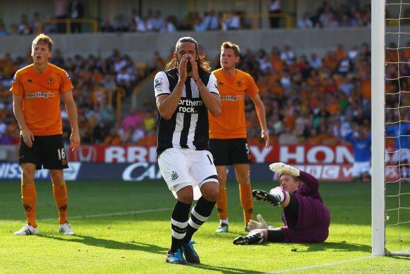 El visitante se puso en ventaja rapidamente con un gol de Demba Ba. El a...
