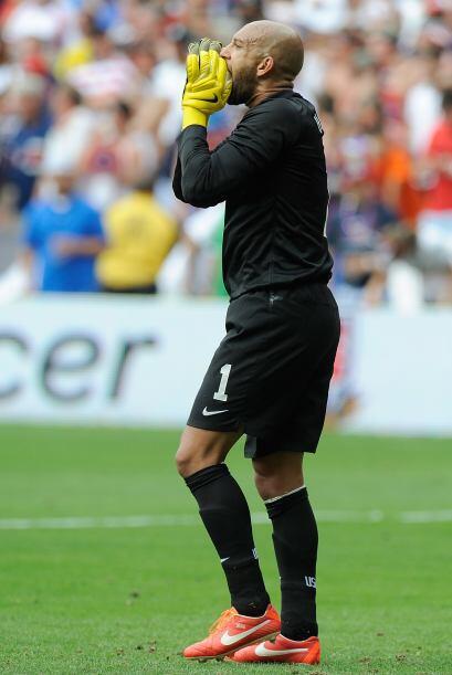 Desde el 2003 Howard juega en Inglaterra, empezó en el Manchester United...
