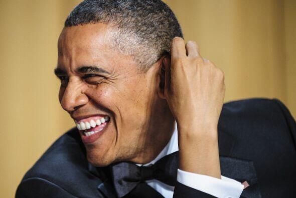 El presidente Barack Obama bromeó con la prensa al hablar de plan...