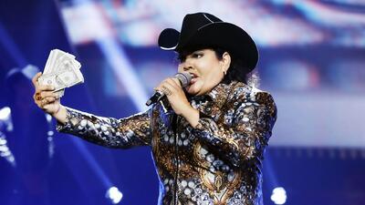 Fue un honor para Sandra cantar con Los Tigres del Norte
