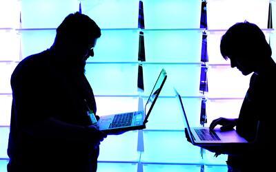 Piratas cibernéticos atacaron páginas oficiales en EEUU con mensajes en...