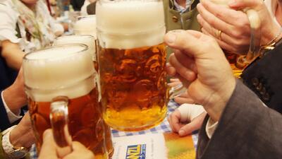 Ni una copa de alcohol es segura: tres millones de personas murieron por beber en 2016