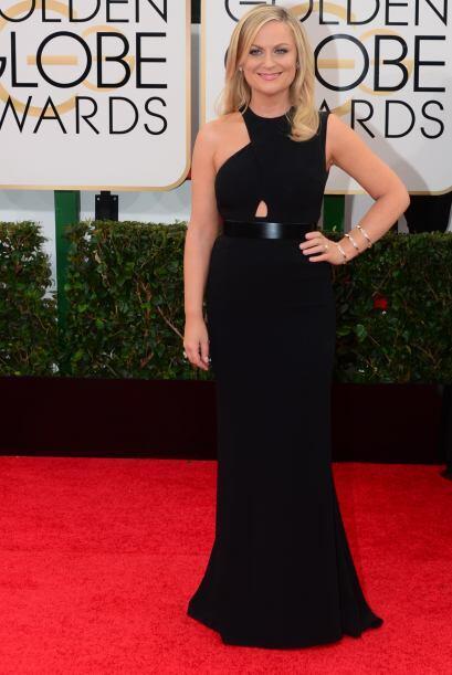 Amy Poehler también se fue a lo seguro con el color negro. Ella fue vest...
