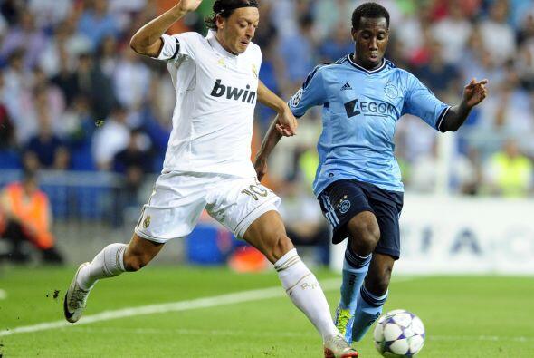 El alemán Mesut Ozil fue la manija de los blancos. Mostró un excelente n...