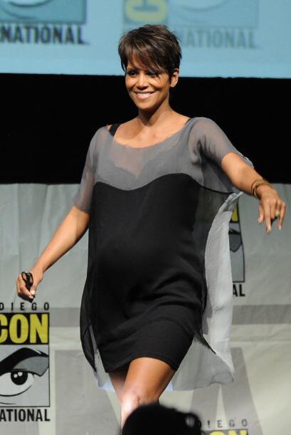 Halle Berry unas de las embarazadas más activas y mas en forma del medio.