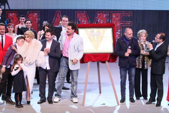 Los actores Ernesto Laguardia, Eduardo Yáñez y Luz María Aguilar apadrin...