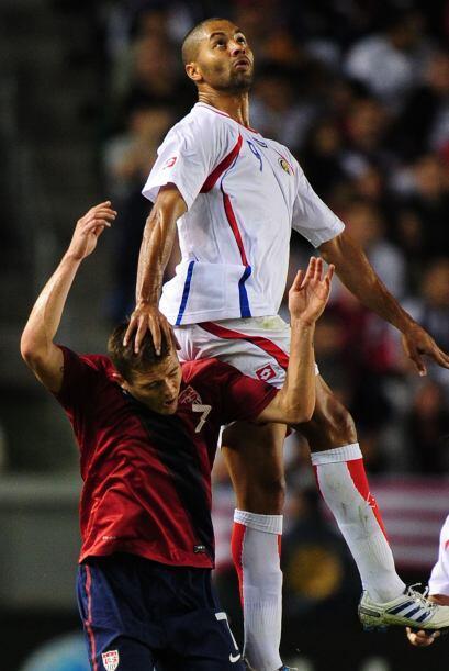 En el segundo tiempo Costa Rica salió con más disposición ofensiva.
