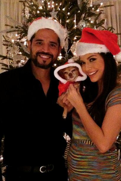 """Feliz Navidad"", deseó Ana. (Diciembre 25, 2014)"