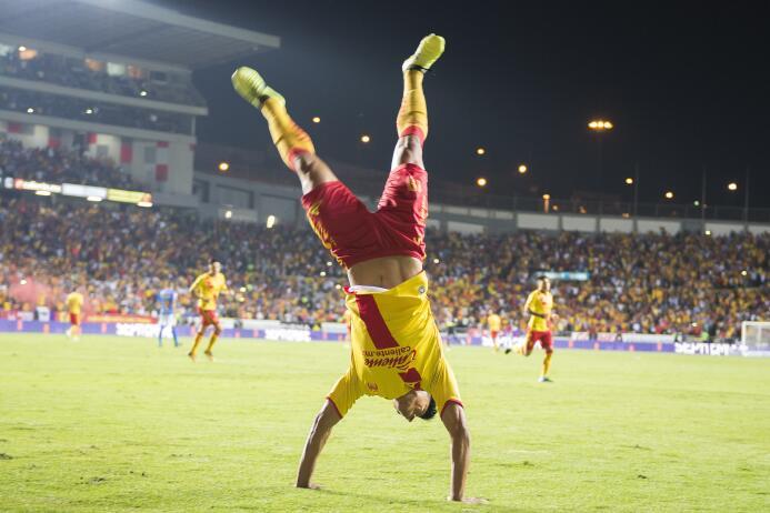 Juegazo y feria de goles entre Morelia y Tigres angel-sepulveda-celebra-...