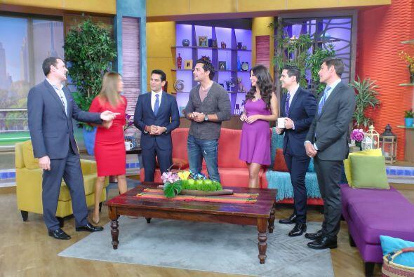 El actor invitó a todo el público hispano a informarse sobre los benefic...
