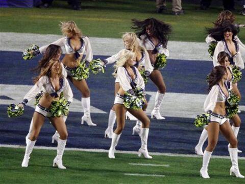 Las bellezas de las Sea Gals y de los Patriots llenaron el Super Bowl XL...