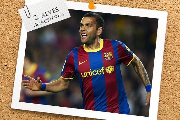 La defensa comienza con un brasileño que se lució, Dani Alves.