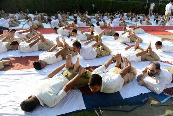 Los paramilitares también celebrarán el Día Internacional del Yoga.