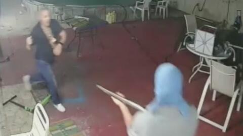Con machete en mano hombre enfrentó a ladrones en Florida
