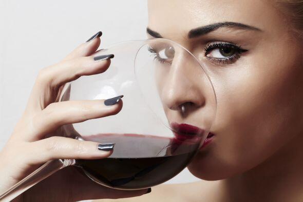 Lo malo es que el ácido tartárico que contiene el vino puede desgastar e...