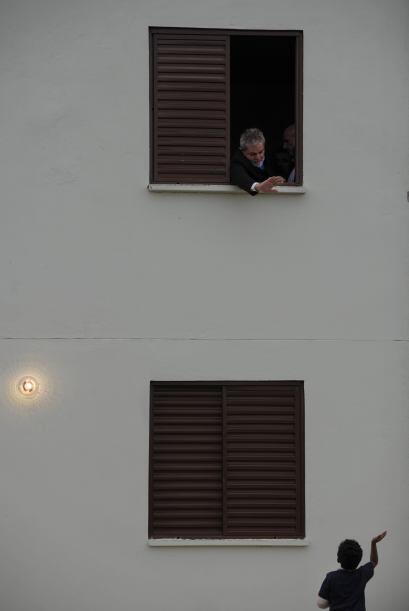 El mandatario brasileño entró a uno de los departamentos q...