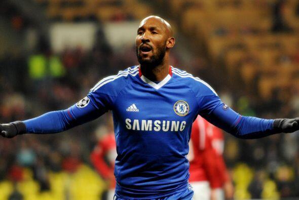 Anelka lo gritó con su gente y puso calma en el estadio del Chelsea.
