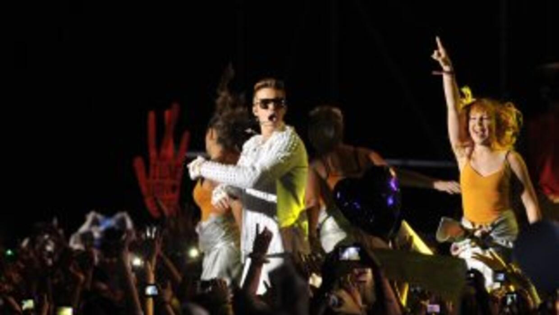 Justin Bieber se disculpa a través de su cuenta en Twitter por haber usa...