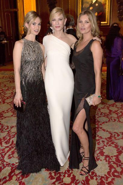 Cate Blanchett y Kate Moss juntas. Mira aquí lo último en chismes.