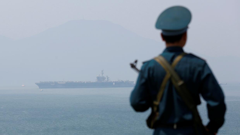 USS Carl Vinson en Vietnam