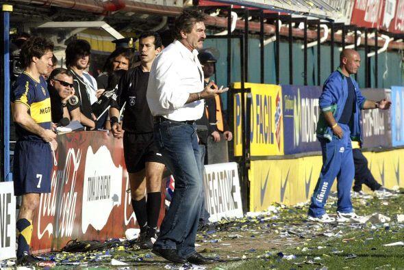 En 2006 La Volpe regresó a Argentina para dirigir a Boca Juniors y empat...