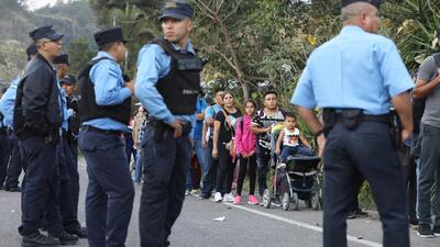 Guatemala extrema medidas de seguridad en la frontera con Honduras ante la llegada de integrantes de la caravana