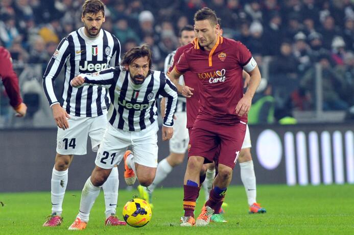 Francesco Totti y Andrea Pirlo anunciaron su retiro como futbolistas una...