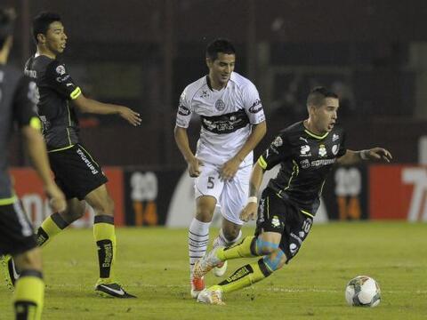 Mauro Cejas, único jugador argentino en el plantel de Santos, no...