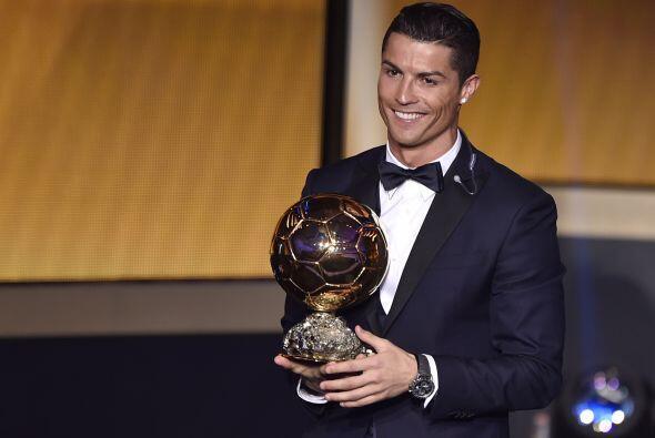 Cristiano Ronaldo consiguió su tercer Balón de Oro, y Nike le realizó un...